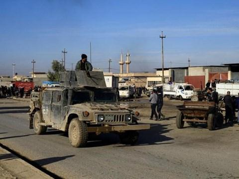 Khi thành trì Aleppo gặp khó khăn, khủng bố IS đáp trả lực lượng quân chính phủ Iraq ở Mosul.