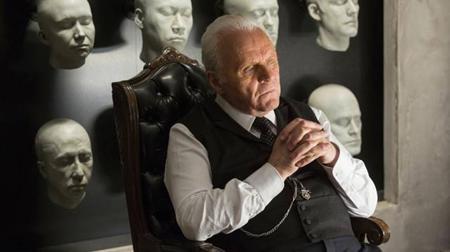 """Sau """"Game of thrones"""", """"Westworld"""" chính là dự án """"khủng"""" được HBO dồn tâm sức đầu tư. Dựa trên tác phẩm điện ảnh cùng tên của Michael Chrichton vào năm 1973, """"Westworld"""" không chỉ khiến người xem bàng hoàng với nhiều cảnh quay bạo lực đẫm máu đan xen với những cảnh nóng nặng đô, bom tấn truyền hình này còn chứa đựng nhiều bài học ý nghĩa và ám ảnh đúng theo phong cách làm phim của Jonathan Nolan."""