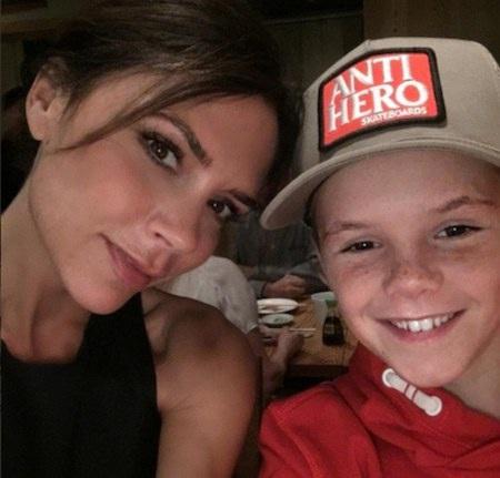 """Cruz Beckham là """"nạn nhân"""" mới nhất của mẹ Victoria?"""