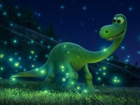 """Ra mắt từ cuối năm ngoái nhưng tác phẩm hoạt hình """"The good dinosaur"""" vẫn xứng đáng góp mặt trong danh sách những bom tấn của năm 2016. Tiếp tục phong cách đơn giản nhưng đầy ý nghĩa của hãng Pixar, """"The good dinosaur"""" là câu chuyện ngập tràn cảm xúc về tình bạn của khủng long và con người, đồng thời đem lại cho các khán giả xem phim những bài học thấm thía."""