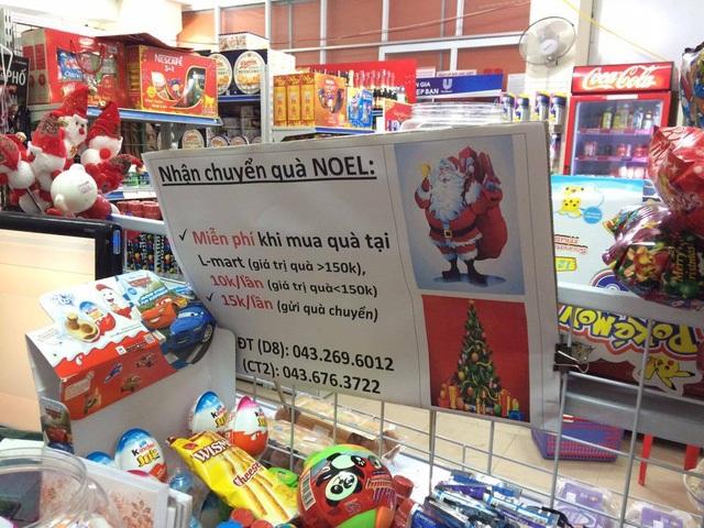 Các siêu thị cũng phục vụ cả dịch vụ chuyển quà Noel