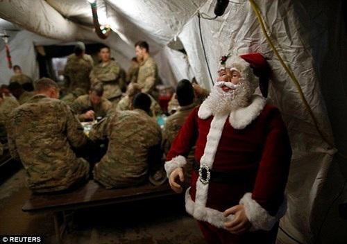 Không khí Giáng sinh tại căn cứ quân sự Mỹ ở thị trấn Karamless, phía đông Mosul