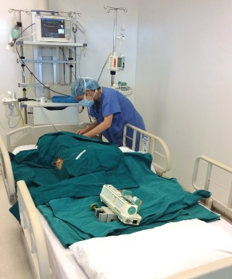 Chăm sóc bé Thanh Tuyền sau ghép tế bào gốc