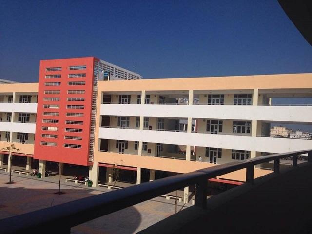 Diện tích, cơ sở vật chất, phương tiện, thiết bị dạy học của các trường chuyên được ưu tiên đầu tư đồng bộ, hiện đại (Ảnh chụp tại trường THPT chuyên Trần Phú - Hải Phòng).
