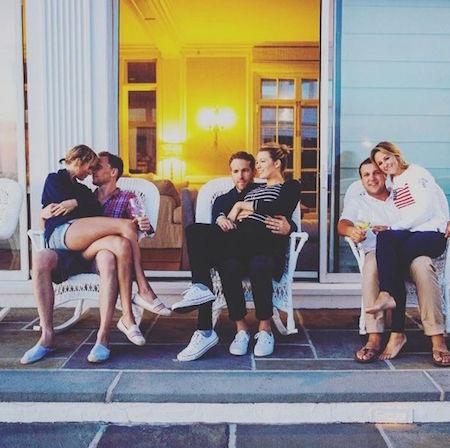 Taylor Swift là người bạn thân thiết của hai vợ chồng Blake Lively