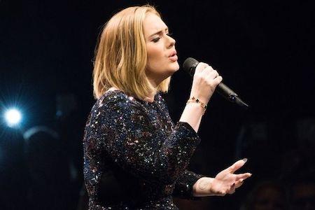 Adele gây ấn tượng với khả năng kiếm tiền đáng nể