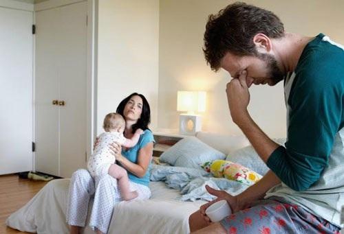 Chồng tôi đòi ly dị vì anh ấy không chịu được các con tôi.