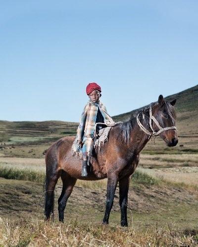 Những bức ảnh tuyệt đẹp về cuộc sống trên lưng ngựa vùng núi Lesotho - 3