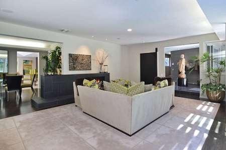 Ngôi nhà sở hữu phần nội thất đẹp long lanh…