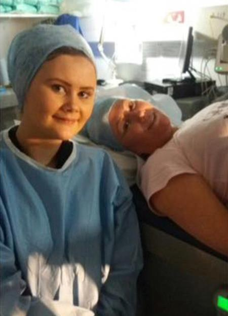 Jessica bên mẹ trong thời điểm chờ sinh