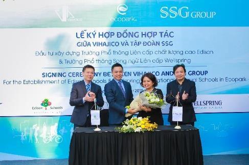 Ông Nguyễn Dũng Minh - Phó tổng giám đốc công ty Vihajico cùng bà Lê Tuệ Minh - Tổng Giám đốc SSGI - Phát triển trường Wellspring.