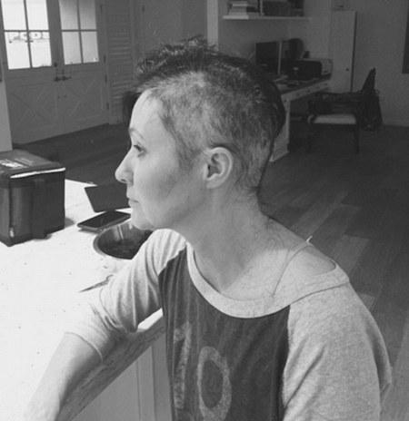 Shannen từng khiến nhiều người xúc động khi cắt tóc trị bệnh