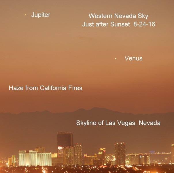 """Robert Kelly ở Lasvegas, Nevada đã chụp được tấm ảnh này sau khi mặt trời lặn ngày 24/8/2016. Ông viết """"Khói mù từ cháy rừng ở California đã bao phủ đến tận sao Thủy"""""""