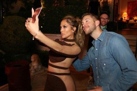 Vừa chia tay bạn trai, J.Lo đã lại dính tin đồn hẹn hò với Calvin Harris