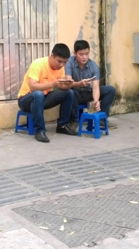 """""""Văn hóa"""" bệt trong ẩm thực đường phố Hà Nội - 4"""