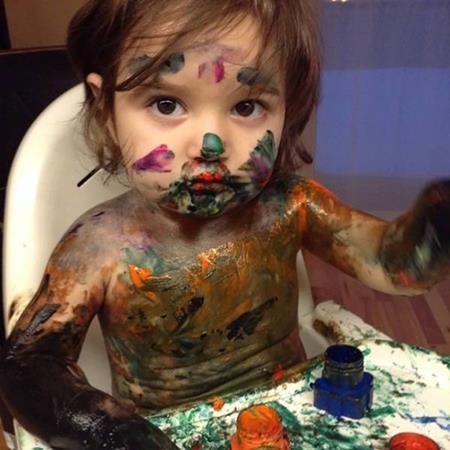 Và trở thành họa sĩ bằng cách vẽ lên thân