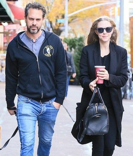 Amanda Seyfried và Thomas Sadoski là một cặp đôi đẹp của làng giải trí