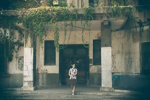 Nữ lãnh đạo cực xinh làm mẫu ảnh quảng bá du lịch quê nhà - 6