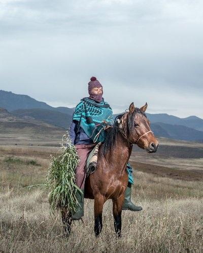 Những bức ảnh tuyệt đẹp về cuộc sống trên lưng ngựa vùng núi Lesotho - 5