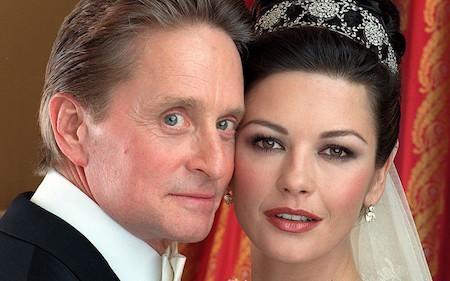 Michael Douglas và Catherine Zeta Jones là một trong những cặp đôi vàng tại Hollywood
