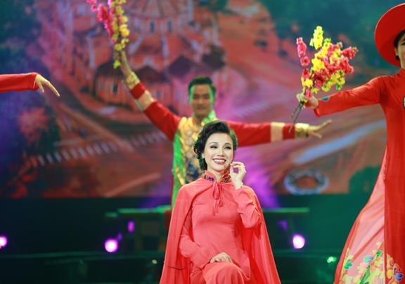 Lâm Phi Quỳnh gây sốc lớn trong Tết Vạn Lộc - 5