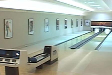 """""""Tổ ấm"""" của Petra Stunt có cả sân chơi bowling…"""