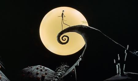 """Bộ phim hoạt hình ca nhạc được làm theo hướng kinh dị và u ám nhưng cũng không kém phần hài hước """"đúng chất"""" Tim Burton. """"The nightmare before Christmas"""" đã đạt được rất nhiều thành công cả về mặt doanh thu lẫn phê bình nghệ thuật sau khi phát hành và tác phẩm này cũng được đánh giá cao nhờ cách làm phim độc đáo cùng thông điệp đầy ý nghĩa truyền tải đến mọi người."""