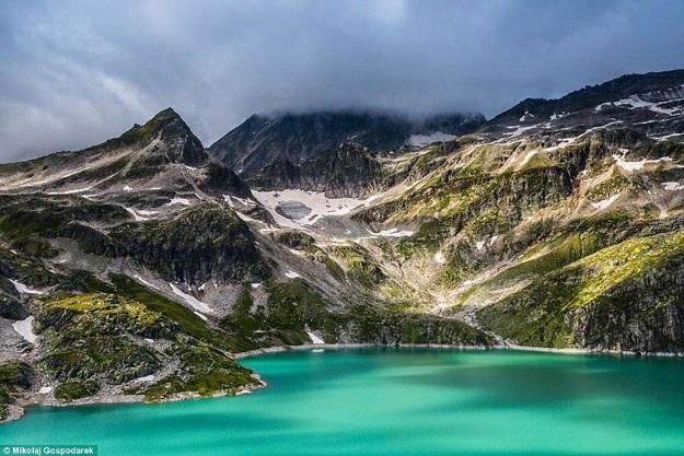 Bộ ảnh về tuyến đường đẹp nhất châu Âu khiến mọi phượt thủ si mê - 7