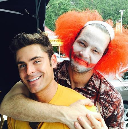 """Zac Efron và Ike Barinholtz vui vẻ tạo dáng chụp ảnh trên phim trường """"Neighbors 2: Sorority rising"""""""