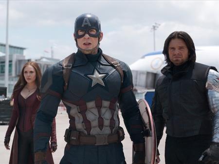 """Ra mắt sau """"Batman v Superman: Dawn of justice"""" và bị so sánh vì có cốt truyện khá tương đồng nhưng """"Captain America: Civil war"""" đã mang lại chiến thắng vẻ vang cho hãng Marvel với hơn 1.1 tỉ đô la doanh thu phòng vé cùng những cơn mưa lời khen từ giới phê bình cũng như người hâm mộ."""