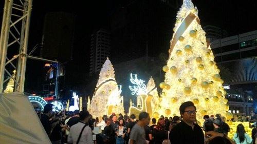 Người Việt đón Noel ở Bangkok - 8