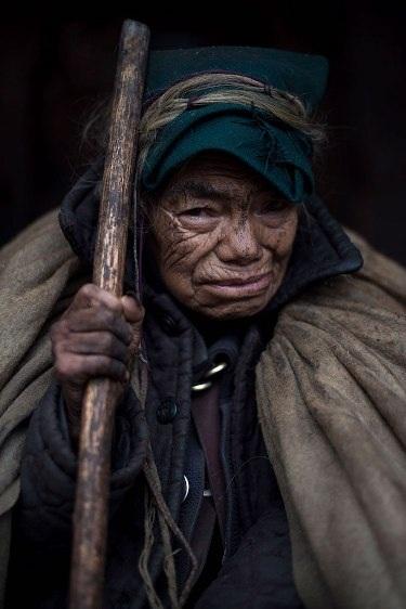 Những bộ lạc đang dần biến mất trên thế giới - 7