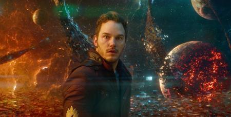 """Được coi là bom tấn kỳ lạ nhất đến từ Marvel, """"Guardians of the galaxy"""" xoay quanh một biệt đội siêu anh hùng gồm toàn """"đầu trộm đuôi cướp"""" và chính nét khác biệt ấy đã giúp tác phẩm này ghi dấu ấn đậm nét trong lòng khán giả. Mỗi nhân vật đều được khắc họa một cá tính riêng, mỗi câu thoại đều ẩn chứa nét hài hước, châm biếm nhưng """"Guardians of the galaxy"""" vẫn không thiếu những giây phút lắng đọng khiến người xem nhớ mãi."""