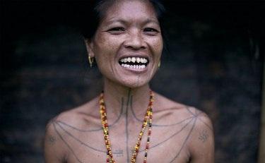 Những bộ lạc đang dần biến mất trên thế giới - 8