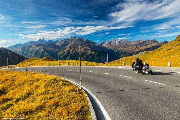 Bộ ảnh về tuyến đường đẹp nhất châu Âu khiến mọi phượt thủ si mê - 9