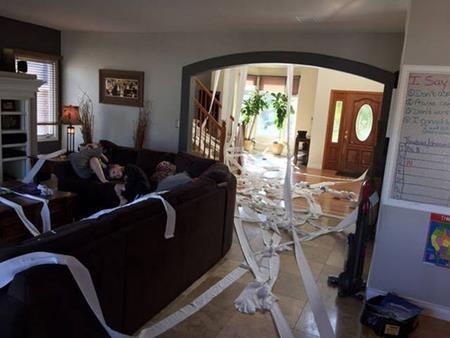Trang trí cho căn nhà…bằng giấy vệ sinh