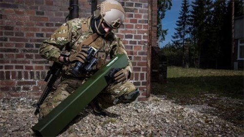 Tổ hợp tên lửa vác vai Enforcer.