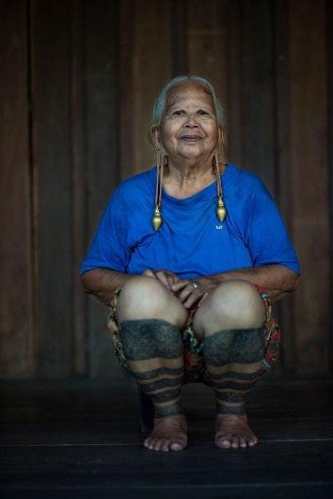Những bộ lạc đang dần biến mất trên thế giới - 9