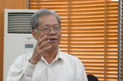 Nguyên Thứ trưởng Bộ Nội vụ Thang Văn Phúc cho rằng, giá trị xã hội của người công chức bị giảm sút, làm cho hiệu lực thực thi công vụ thấp.