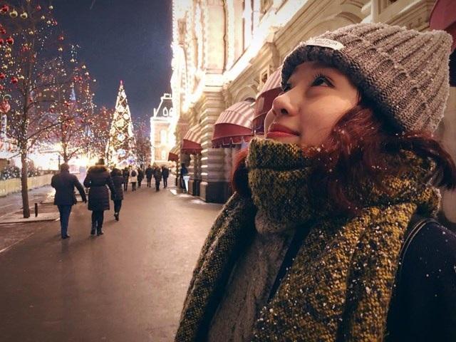 """""""Hot girl"""" dancesport 9X khoe ảnh Giáng sinh trên đất Nga - 9"""