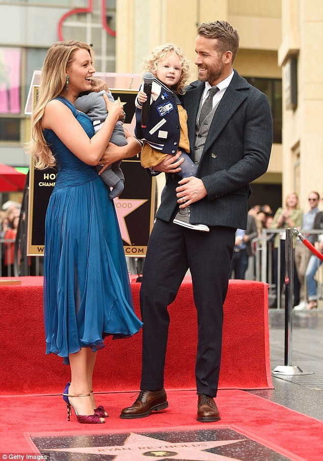Hình ảnh hạnh phúc đáng ghen tỵ của gia đình Ryan Reynolds