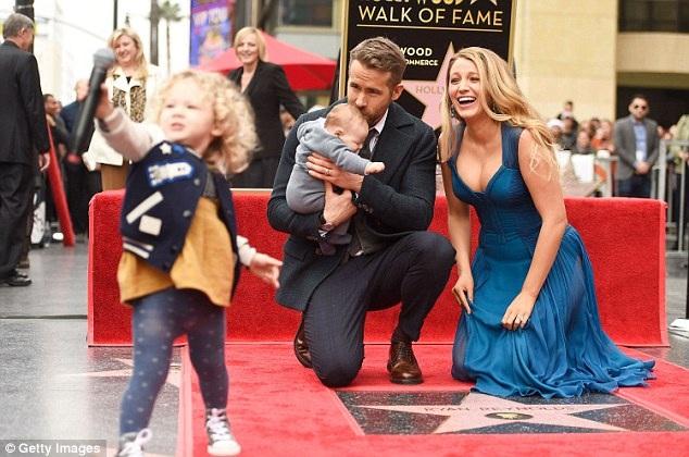 Ryan Reynolds từng kết hôn với cô đào Scarlett Johansson nhưng ly dị vào năm 2011