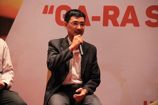 Thầy Nguyễn Công Toản, giáo viên Vật lý trường THPT Chuyên ĐH Khoa học Tự nhiên - ĐHQGHN, nhà sáng lập Trung tâm thí nghiệm Vật lí Edison.