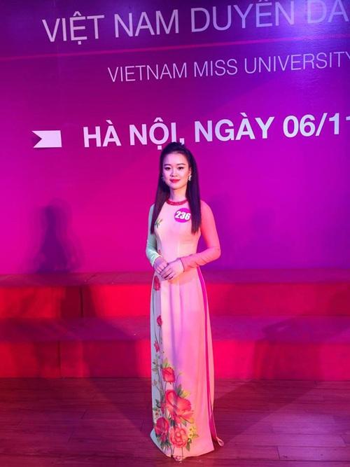 Cô nàng vừa lọt Top 30 cuộc khi sắc đẹp Vietnam Miss University 2016 khu vực Miền Bắc