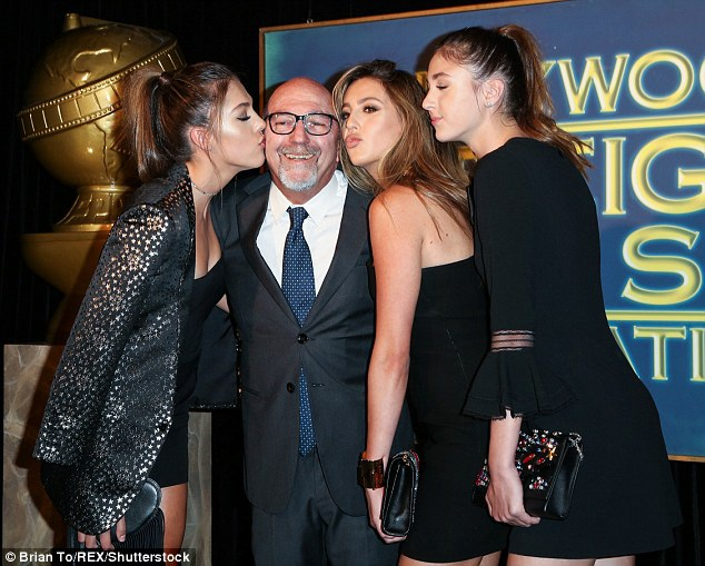 Sở hữu khối tài sản hơn 400 triệu đô la, Sylvester Stallone có thể thoải mái đầu tư mạnh cho các con gái xinh đẹp của mình. Sophia, 20 tuổi đang học đại học, Sistine và người mẫu còn Scarlet là vận động viên thể thao