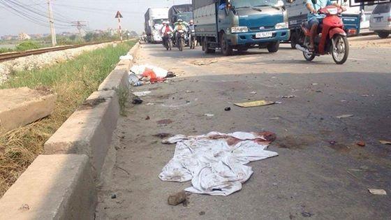 Hà Nội: Tàu hỏa tông ô tô, 5 người tử vong, 2 người nguy kịch - 7
