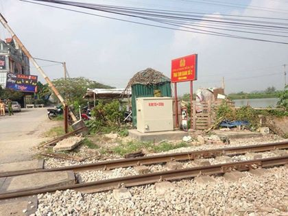 Hà Nội: Tàu hỏa tông ô tô, 5 người tử vong, 2 người nguy kịch - 8