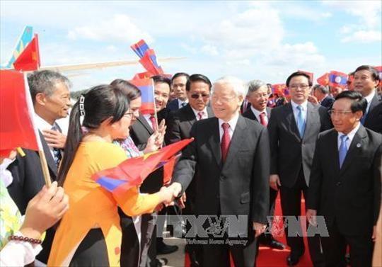 Lễ đón Tổng Bí thư Nguyễn Phú Trọng tại sân bay quốc tế Vientiane (Lào). Ảnh: Trí Dũng/TTXVN