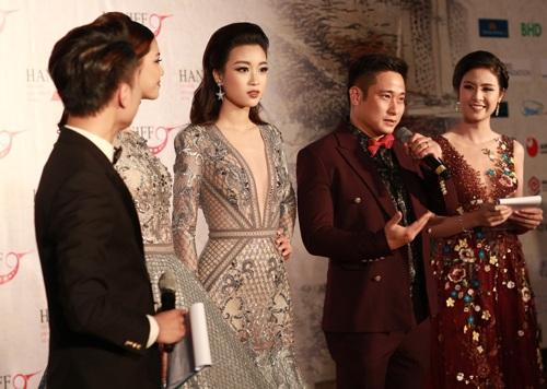 Minh Tiệp rất vinh dự khi được đại diện cho các nghệ sĩ phát biểu cảm nghĩ trong buổi lễ khai mạc liên hoan phim quốc tế tại Hà Nội 2016