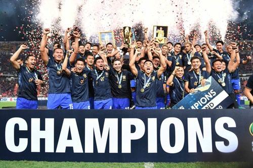 Thái Lan vô địch AFF Cup 2016 đầy thuyết phục
